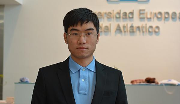 Conhecemos Xuehai Liu, o primeiro estudante chinês que cursa uma graduação na Universidad Europea del Atlántico