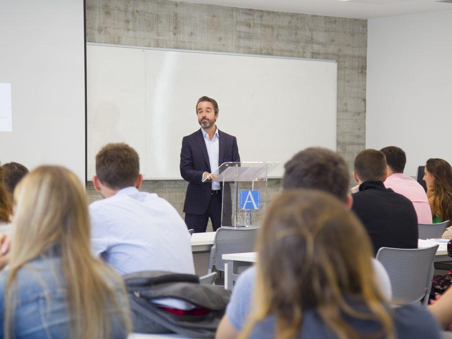 UNEATLANTICO recebe os estudantes do programa ERASMUS+ que participarão do segundo quadrimestre de estudos