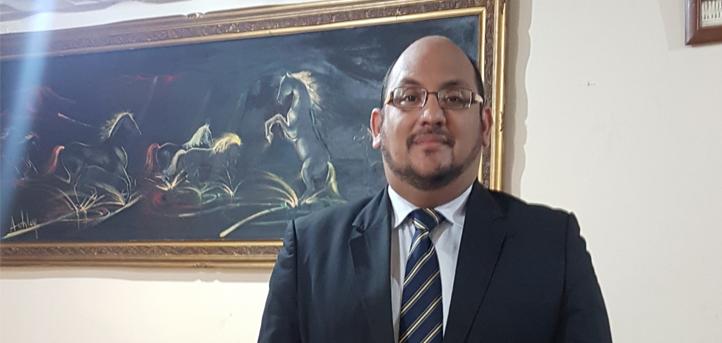 Hugo Banchón, aluno de mestrado da UNEATLANTICO, publica um livro
