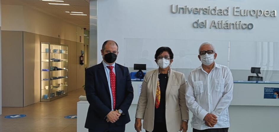 Vice-ministra de Educação Superior da República Dominicana, Dra. Carmen Matías Pérez de Rodríguez, visita a UNEATLANTICO